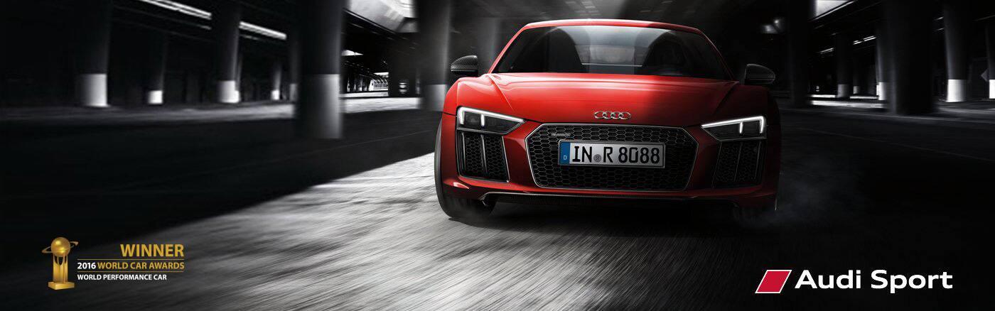 2018 Audi R8 V10 Coupé. Play
